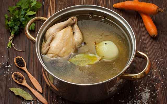 9. Kaldu Ayam