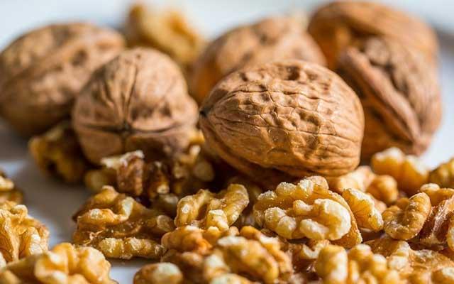 Kacang Kenari Walnut