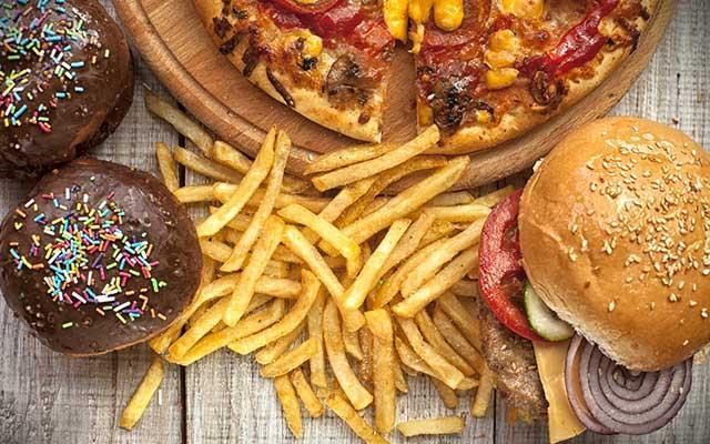 Makanan Dengan Kadar Lemak Tinggi