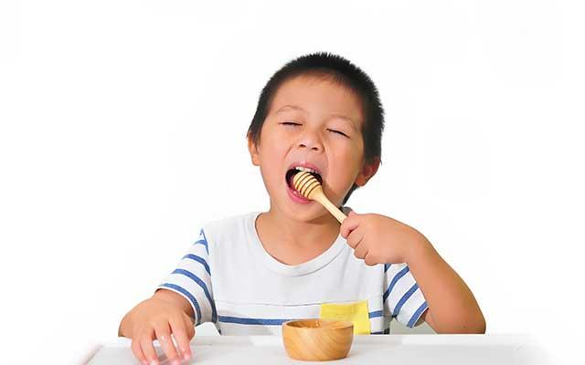 Manfaat Madu Bagi Anak