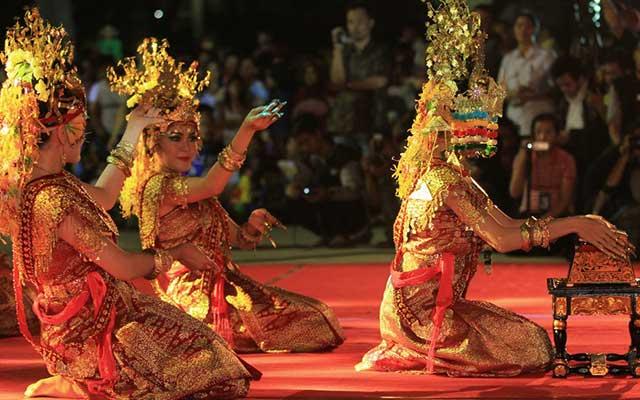 Kostum Properti Tarian Gending Sriwijaya