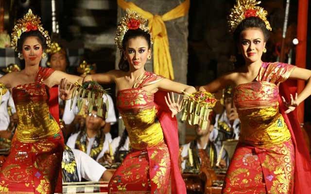 Sejarah Tari Puspanjali Sebagai Tarian Penyambut Tamu di Bali
