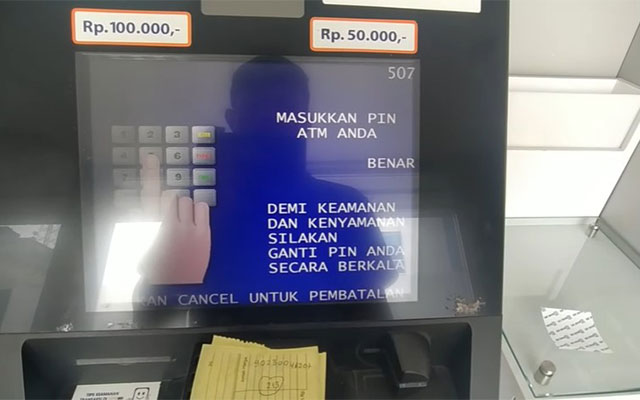 Masukkan PIN ATM anda.