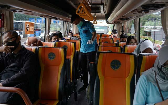 Panduan Naik Bus yang Aman dan Sehat New Normal