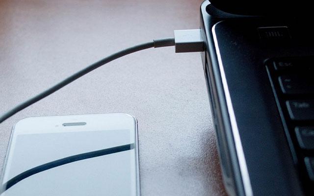 Transfer Video Menggunakan Kabel Data