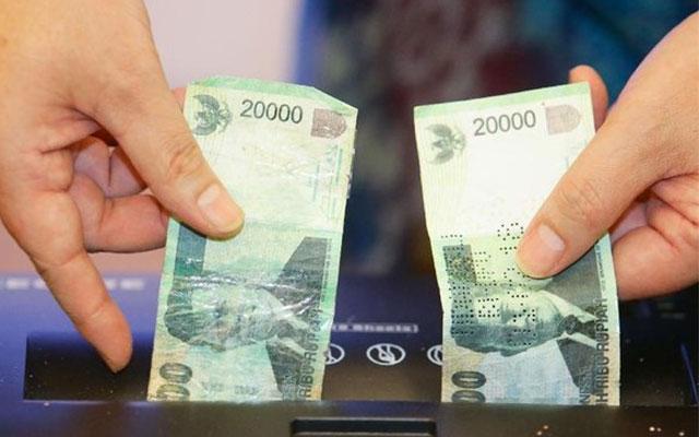 Tukar Uang Baru Ditolak Oleh Bank